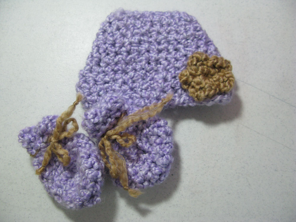 crochet-hatmittens.jpg