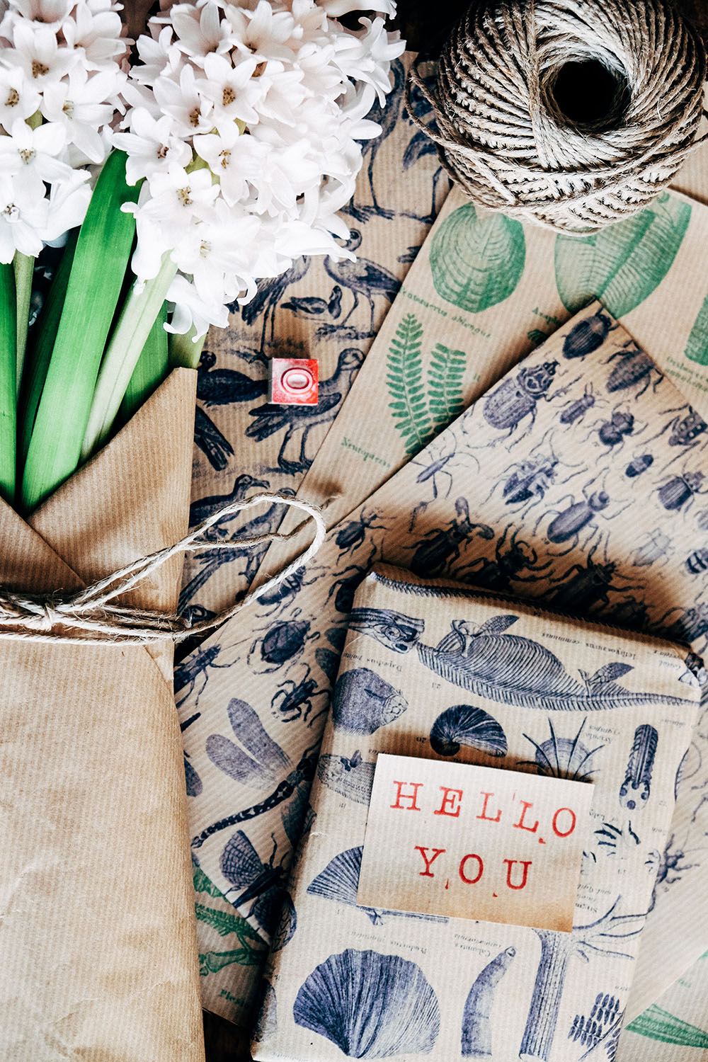 Free vintage printables to make unusual wrapping paper via Mammasaurus