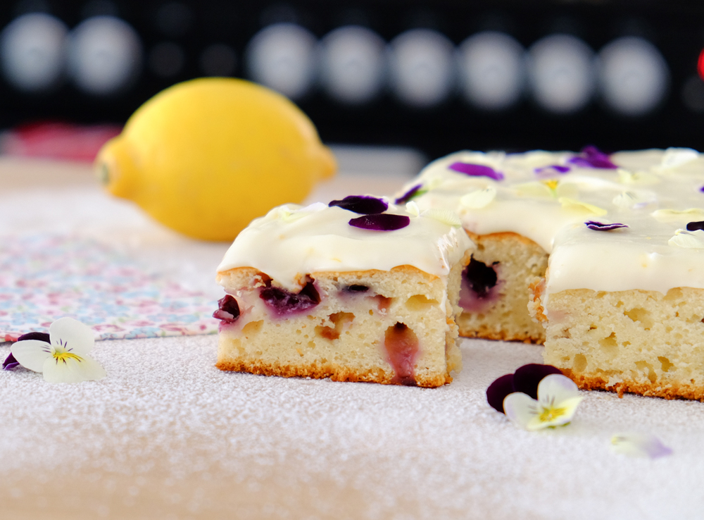 BLUEBERRY & LEMON TRAYBAKE WITH LEMON MASCAPONE FROSTING & VIOLAS