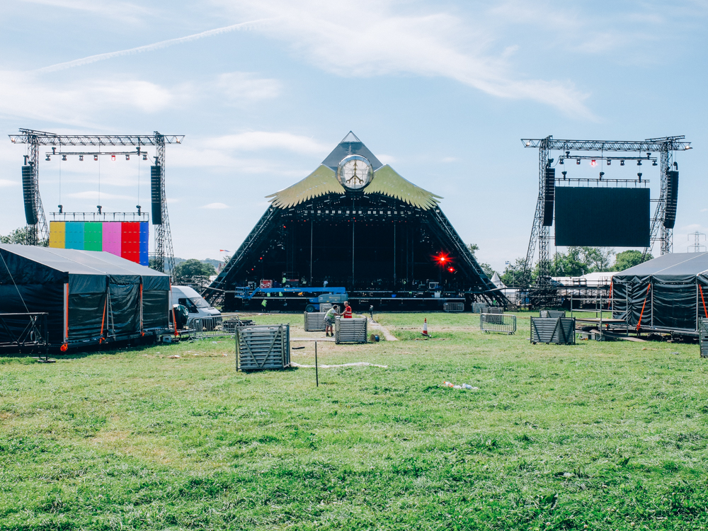 Glastonbury 2015: The Pyramid Stage, Thursday afternoon