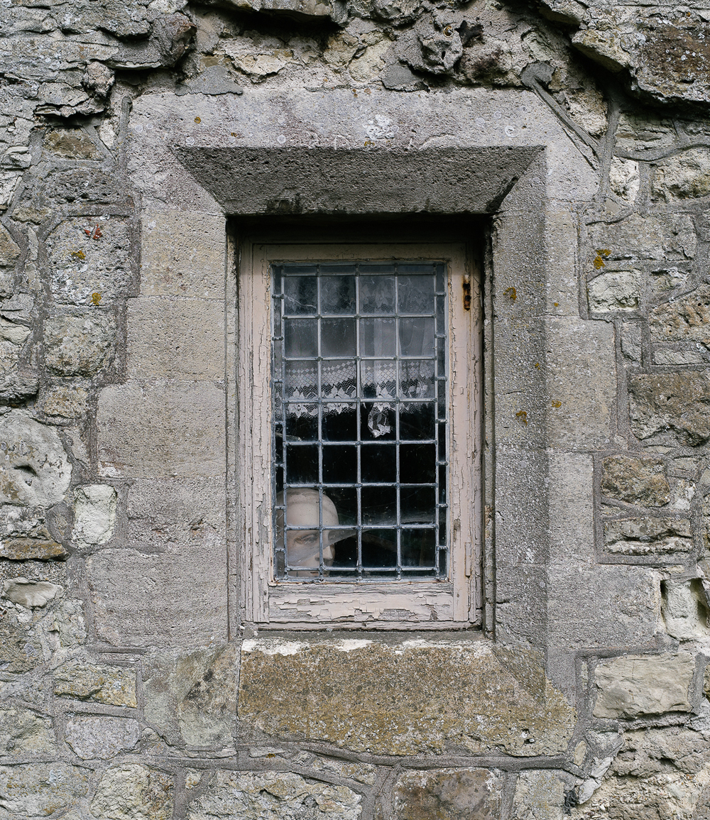 Creepy window, Bealieu