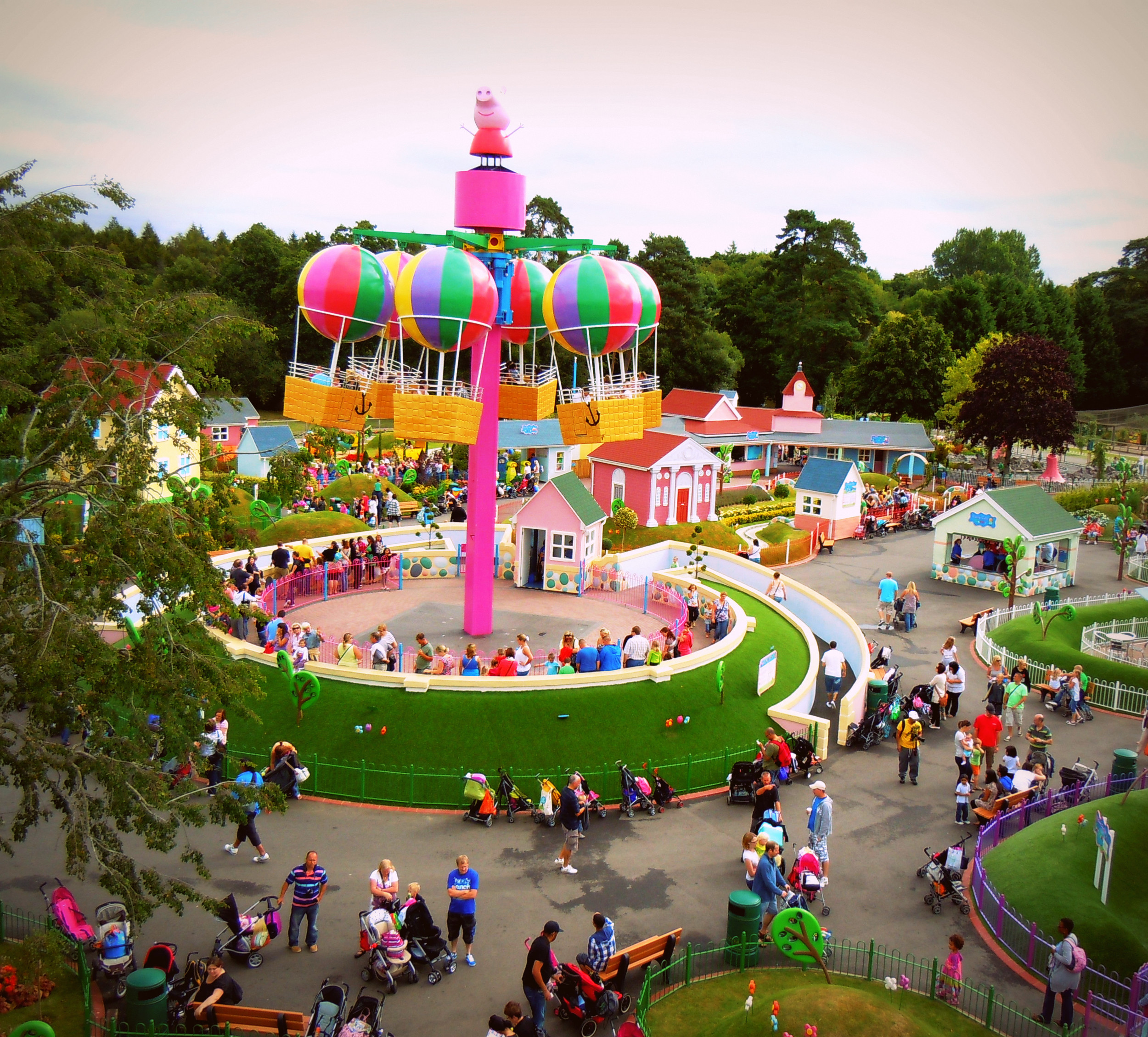 Peppa Pig World And Paultons Park = Fun Day Out !