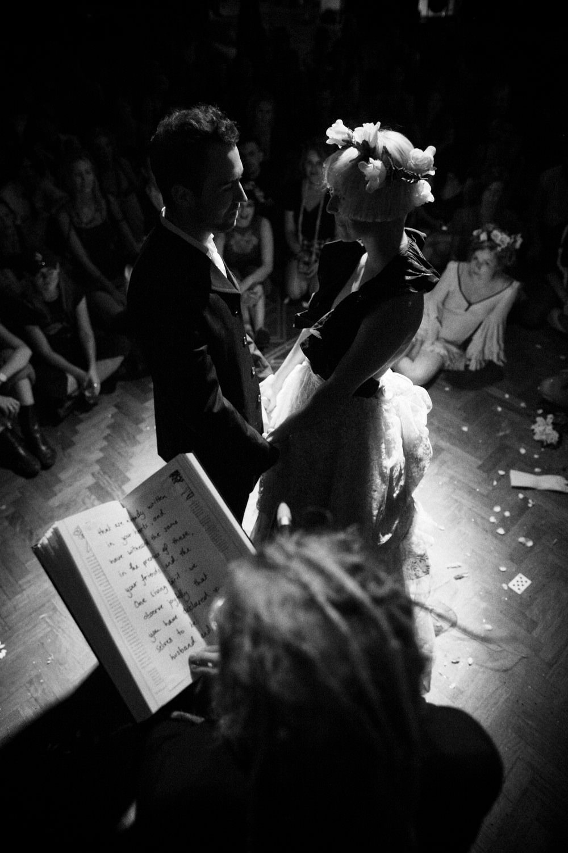 A gypsy wedding SS09.JPG