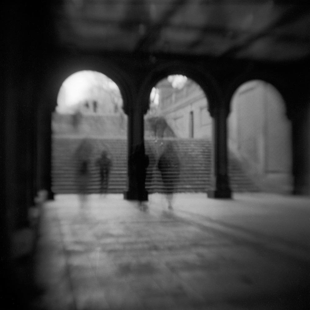 07_1125_RobertSchneider_Ghosts.jpg