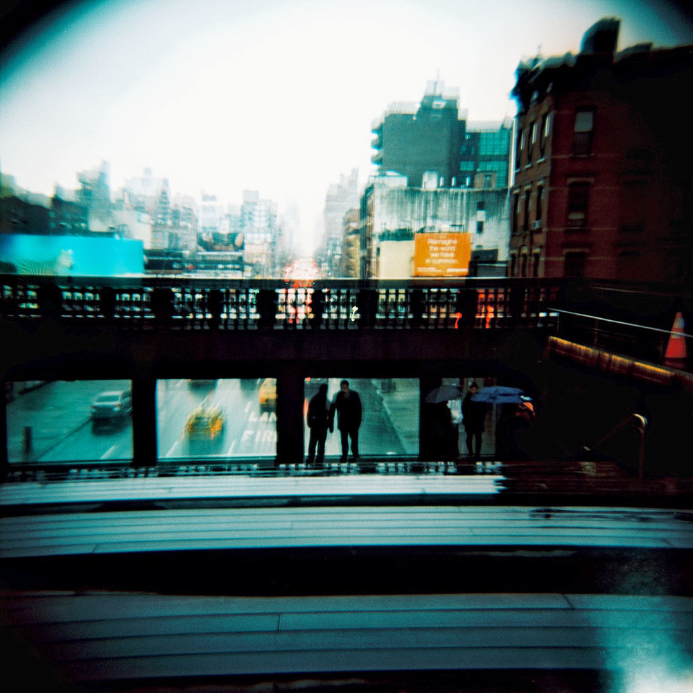 13_0305_R1-09_NYC_holga120sE100VS.jpg