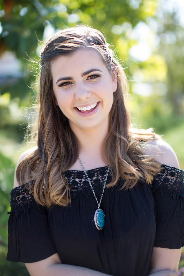 Lauren-Brown-Long-Beach-Graphic-Designer.png