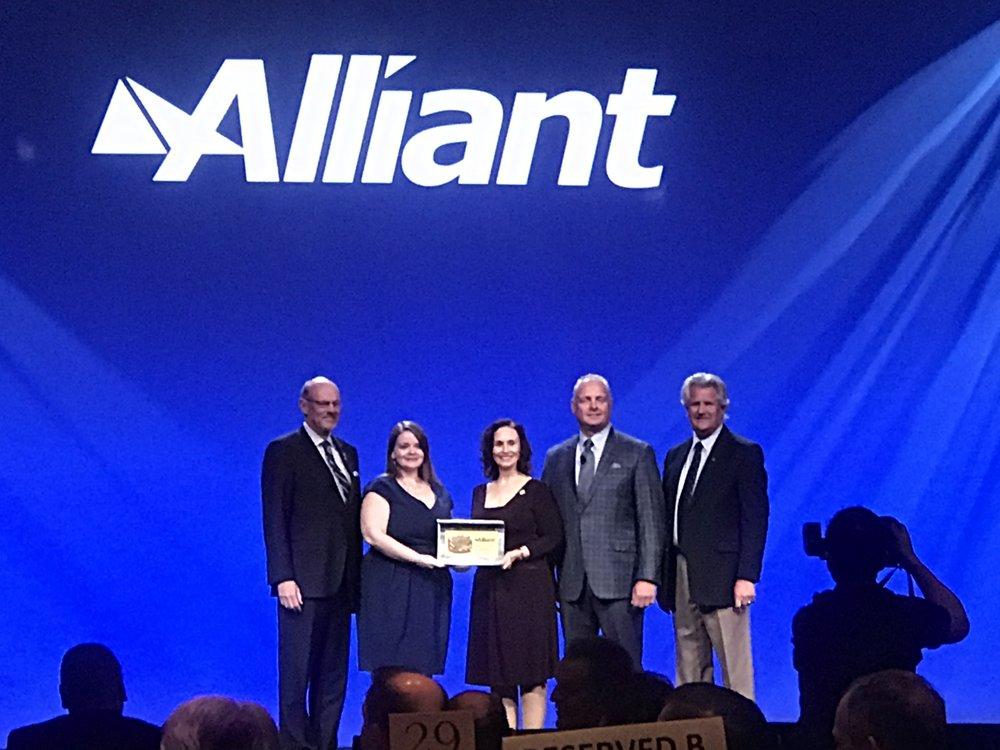 BL Harbert receiving their Alliant Award