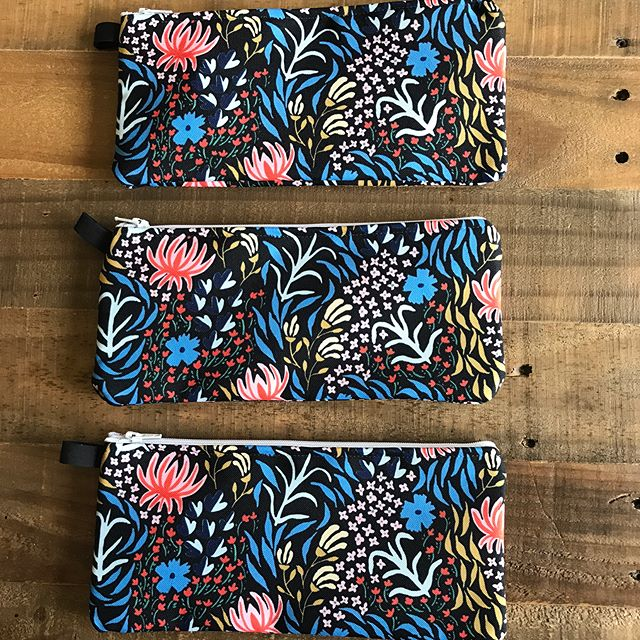 Pencil case preview (or art supplies/ make up pouch!) in black! These came out so nice, they are the perfect size for throwing in your purse or bag. These will be in the shop next week! #surfacedesign