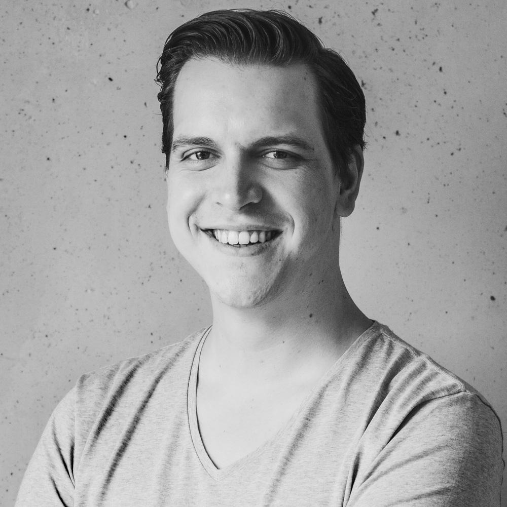 Bastian - Community Manager