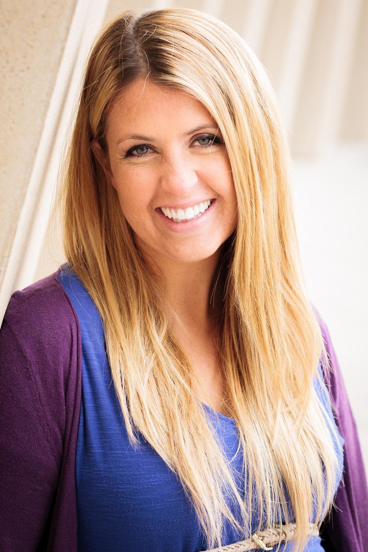 Erin Schurtz    Relationship Expert