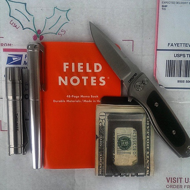 karaskustoms :     #everydaycarry #ink #repost   📷 @gman509th   #fieldnotesbrand #pocketdump #americanmade #fountainpen  (at Imperial Beach Pier)