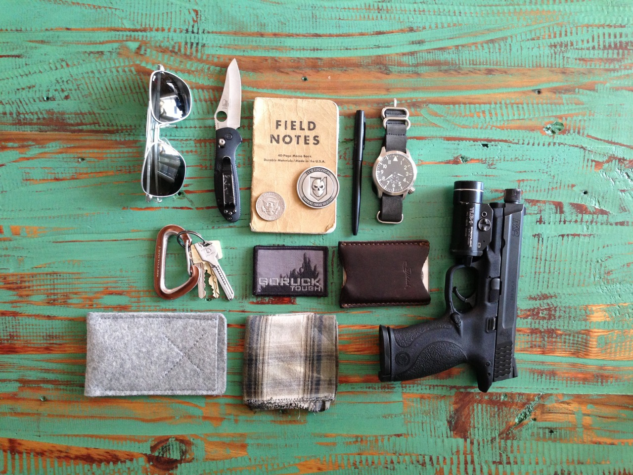 everyday-cutlery: EDC by mikepetrucci http://www.dailycarry.co