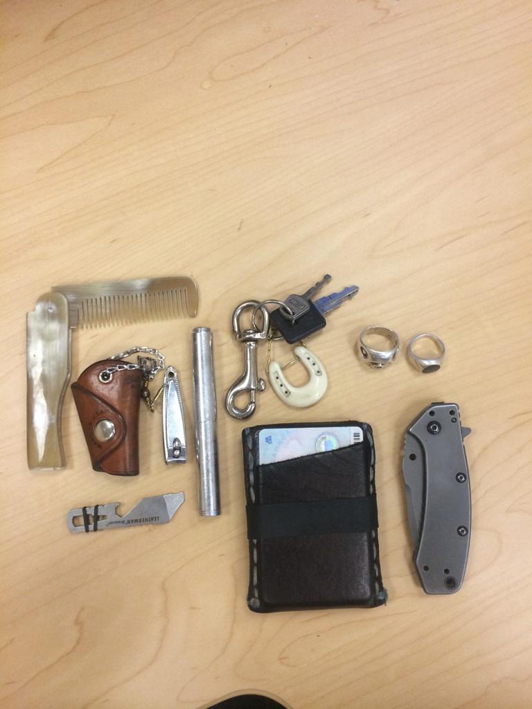 epicedc: Today's pocket dump (student)(24) http://ift.tt/1tz1Yqp via /r/edc
