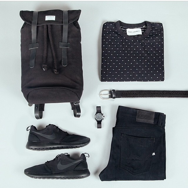 livingby :     Black is the new black daily#menswear #edc