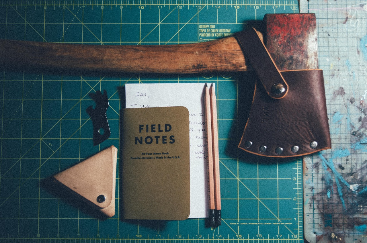 wildemoonleather: When clients send me cool gifts as part of a custom job it makes me feel all warm inside.  A Gerber Shard, Field Notes, and Pencils.   Thank you! ► EDC Additions : Wilde-Moon Leather