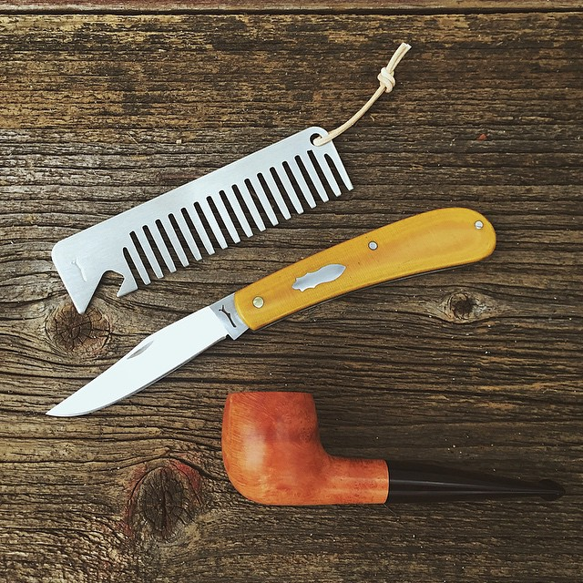 woodnsteel :     Contents of a gentleman's pockets…  Hand made pipe by @iowapipemaker #woodnsteel #handmade #pocketknife #pocketcomb #comb #barber #barbershop #mens #menswear #mensfashion #bottleopener #beer #knife #edc #slipjoint #folder #vsco #vscocam #buyfolk