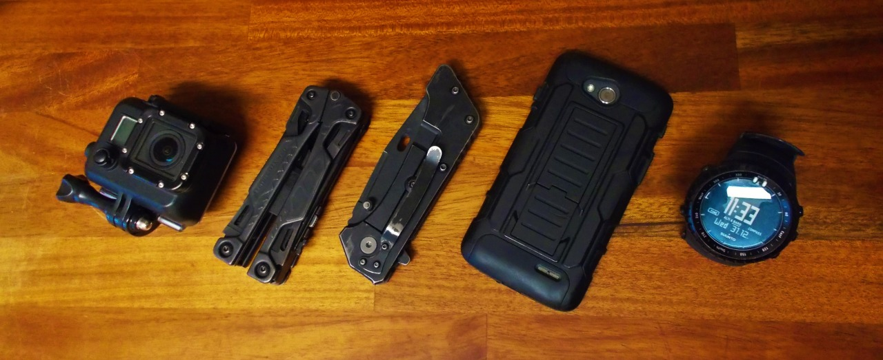 22/M/Army    Gopro Hero 3 BLK   Leatherman OHT   Schrade SCH 302   LG L90 w/ a cheap armorcase from ebay   Suunto Core All Black