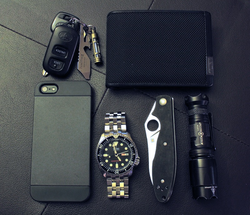 im-prepared: Leatherman Brewzer Tumi Alpha Billfold Wallet Iphone 5 SwitchEasy Tones Iphone 5 Seiko SKX007 Spyderco G-10 Surefire E2L