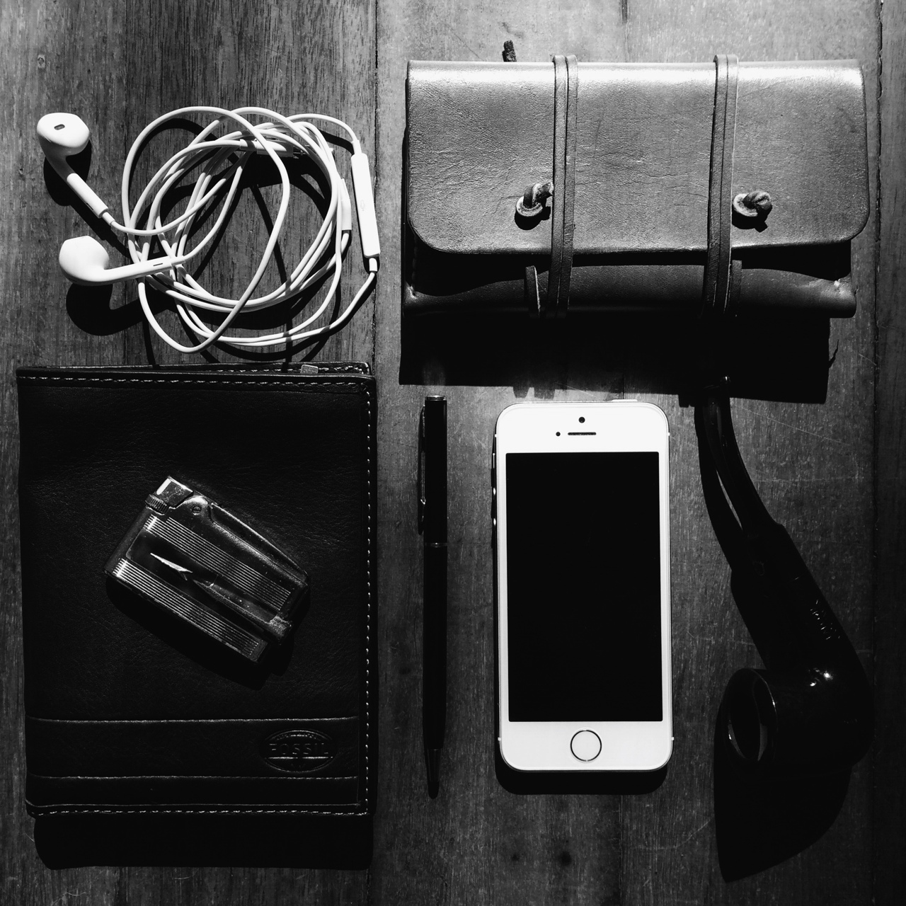 thesillyoldbear: What's in my pockets? •Falcon Coolway 