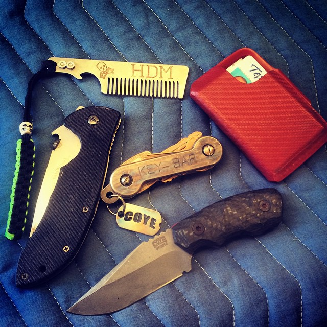 biggestn8r: Work pocket dump while spacing for a wayward shelf pin in my pocket. #coyeknives #forerunner #emersonknives #supercommander #keybar #hudsondesignandmanufacturing #hellbentholsters #combatwallet (at Wiley, Tx)