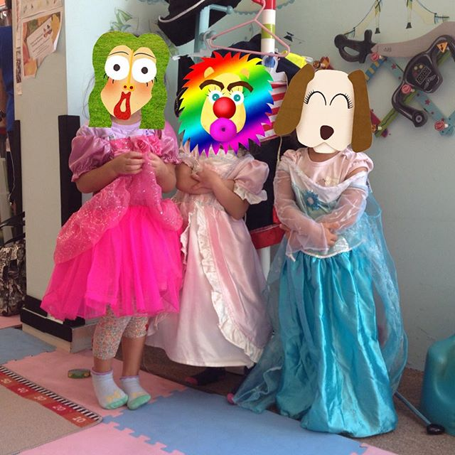 3 little #princess  #mommyandme #funforkids #funnyfaces #dreamingdaddy #app #creativity #learnthroughplay #learningthroughplay #stickers #kidsfun #preschool #piccollage #collage #playwithphoto #playandlearn #kindergarten #art #familyfun #makefaces #character