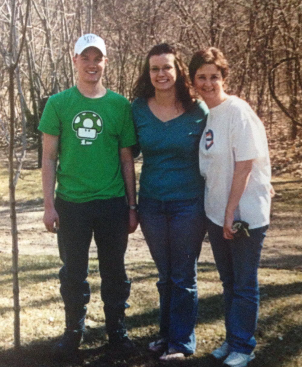 I'm in the middle between my hubby and my mom in 2007.