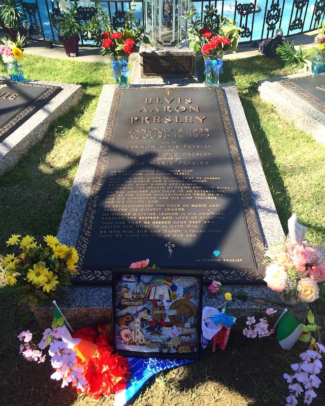RIP Elvis Presley. Graceland:✔