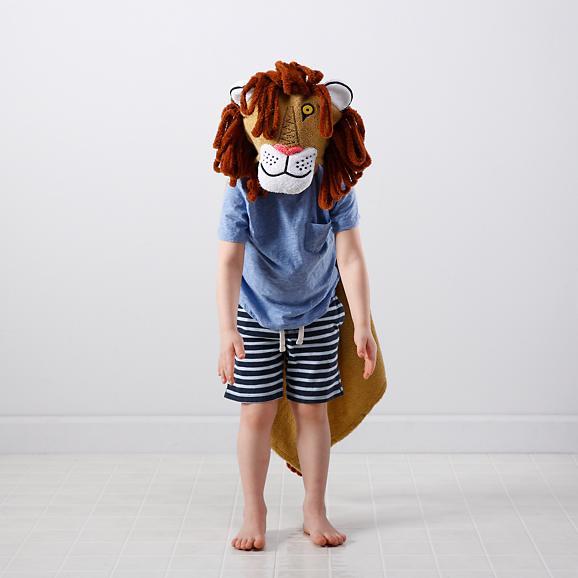 tawny-scrawny-lion-hooded-towel-bath-set-1.jpg