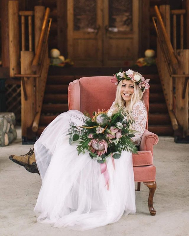Thank you so much, Jenna, for sharing this amazing photo with me . I'm so happy to have been able to be involved in one of the most important days of your life and it's such a reward to actually get to see you totally rockin that bouquet and haku. XO Photographer: @christophersimons