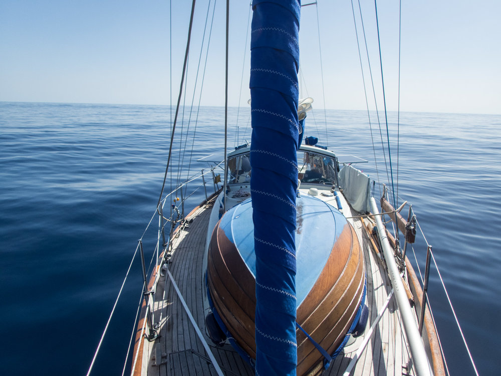 duncan-mckenzie-sailing-becalmed-atlanticocean.jpg