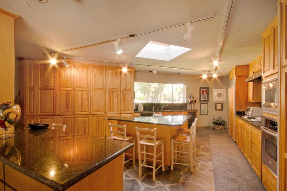 008_Kitchen 1.jpg