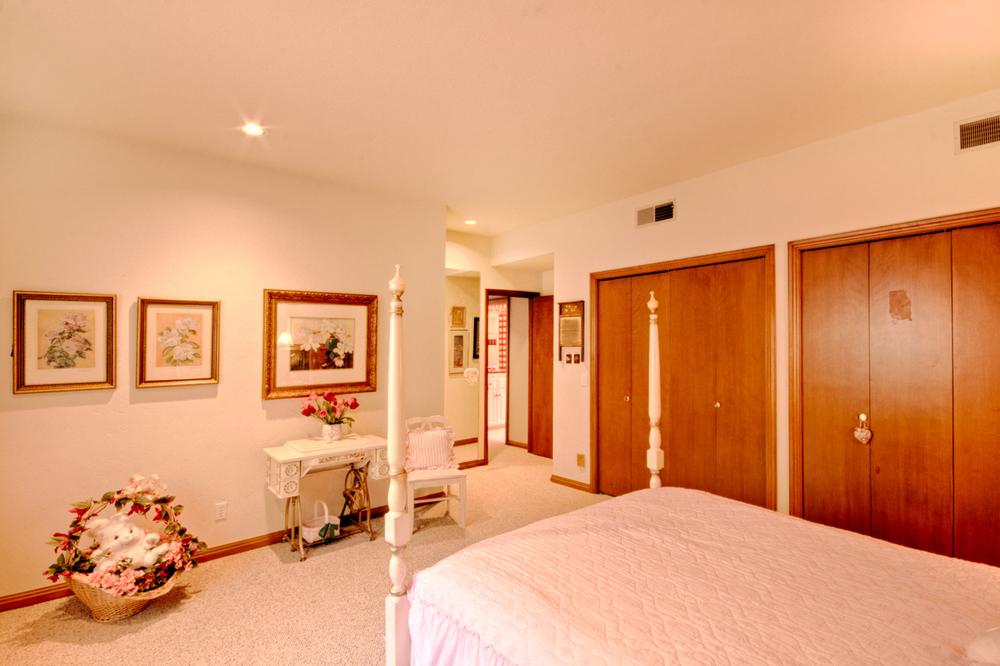 022_Bedroom B1.jpg