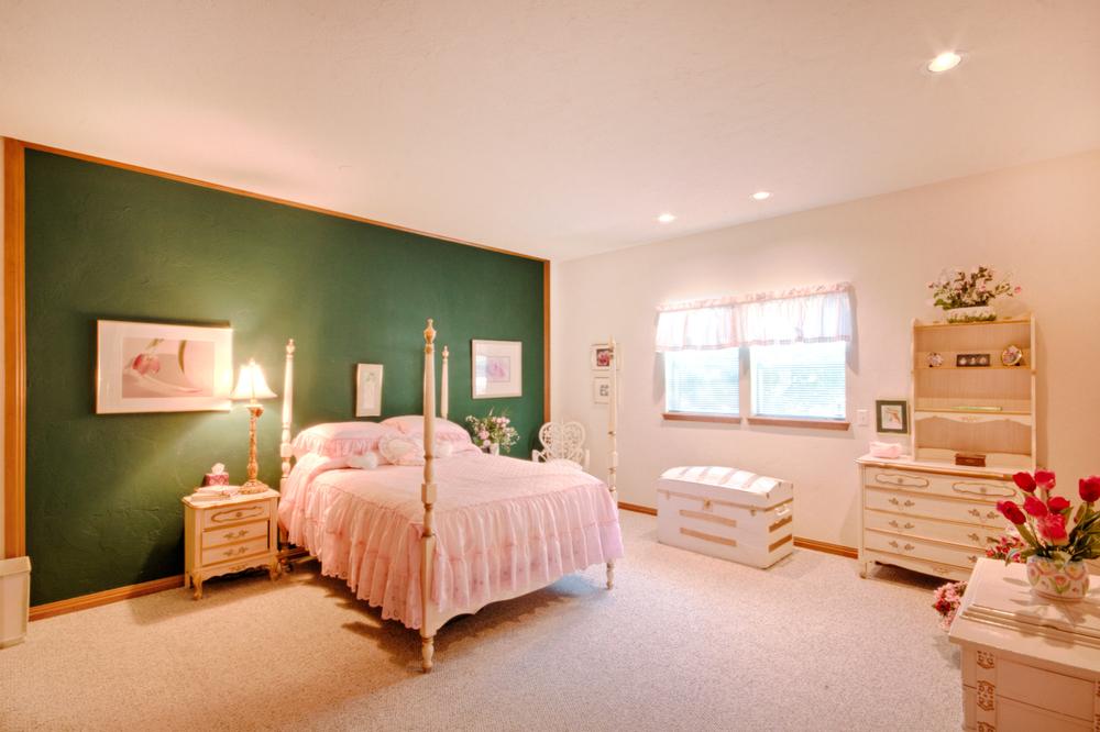023_Bedroom B2.jpg