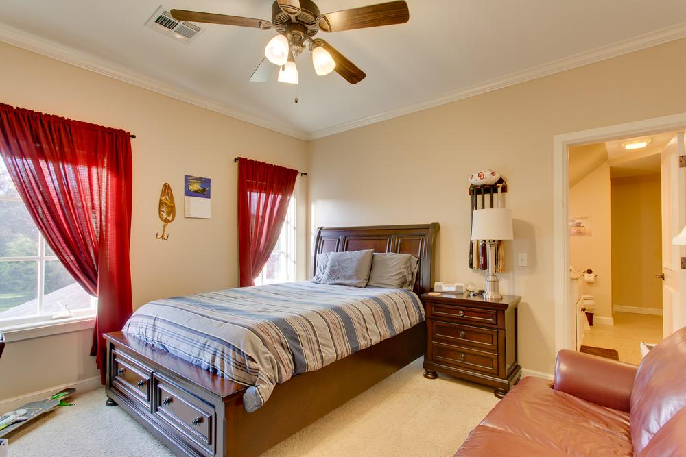 019_Bedroom 2.jpg