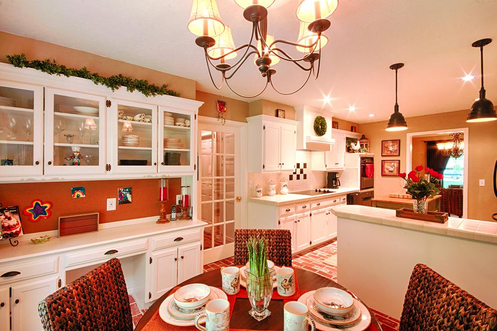 005_Kitchen image 1.jpg