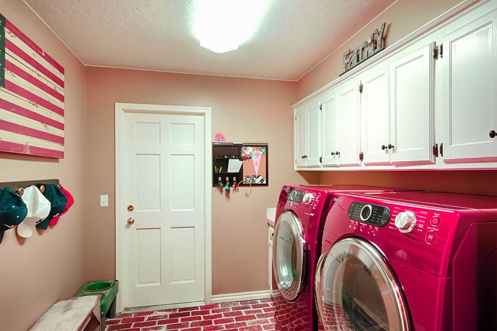 009_Laundry Room.jpg