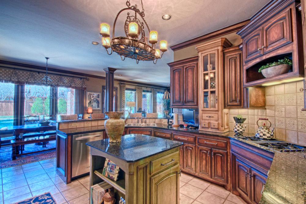 012_Kitchen (c).jpg