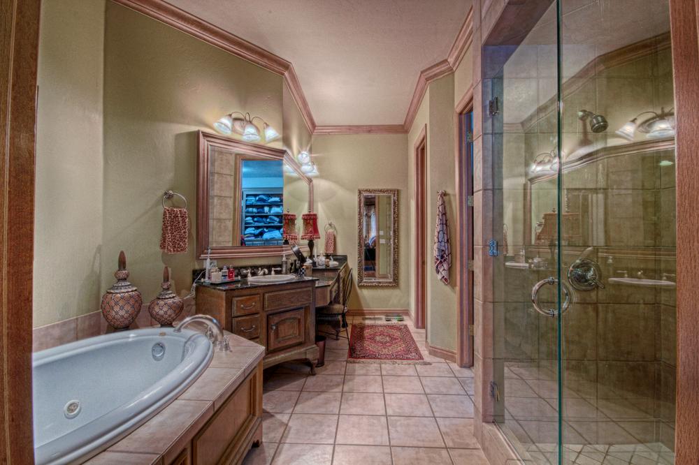 019_Master Bath.jpg