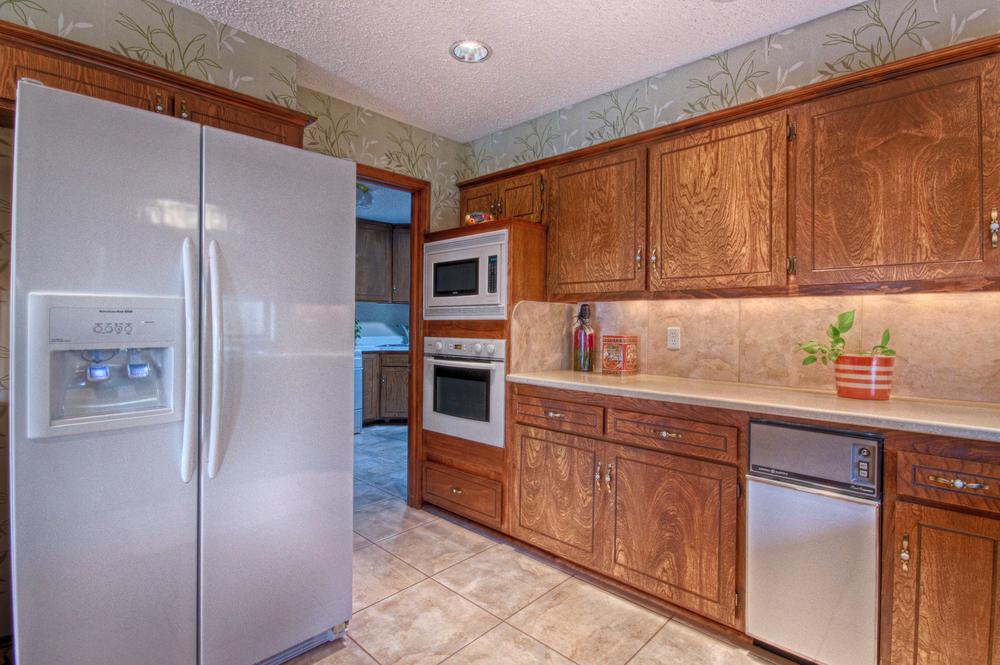 012_Kitchen (d).jpg