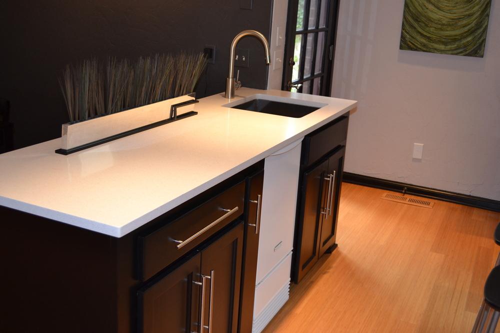 007 Kitchen-Countertops.JPG