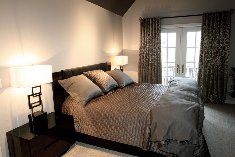 013 Upstairs Bed-Guest.jpg