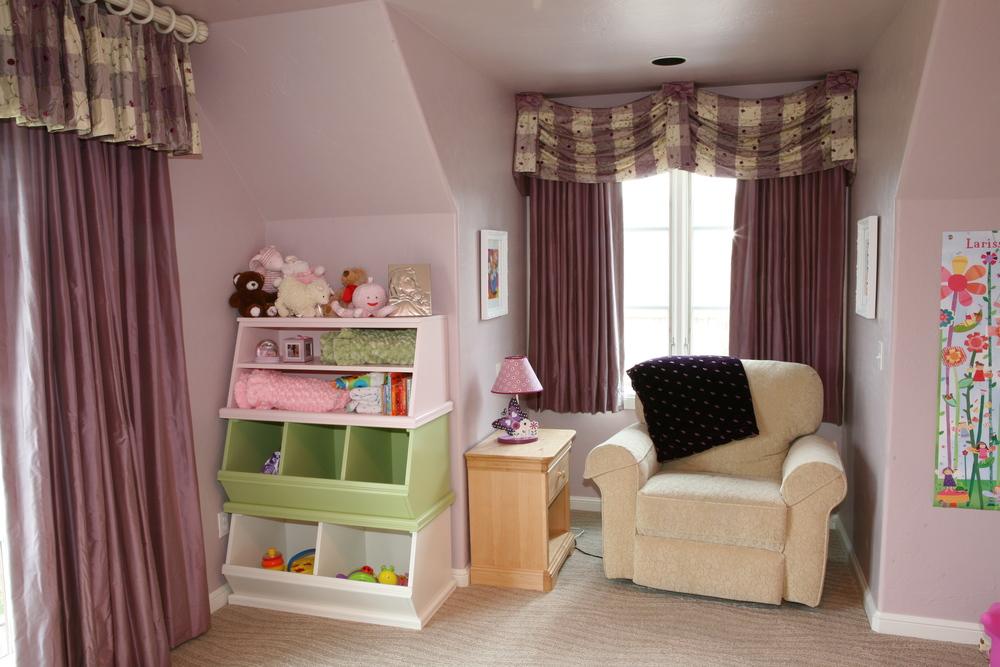 017 Secondary Bedroom-window.jpg