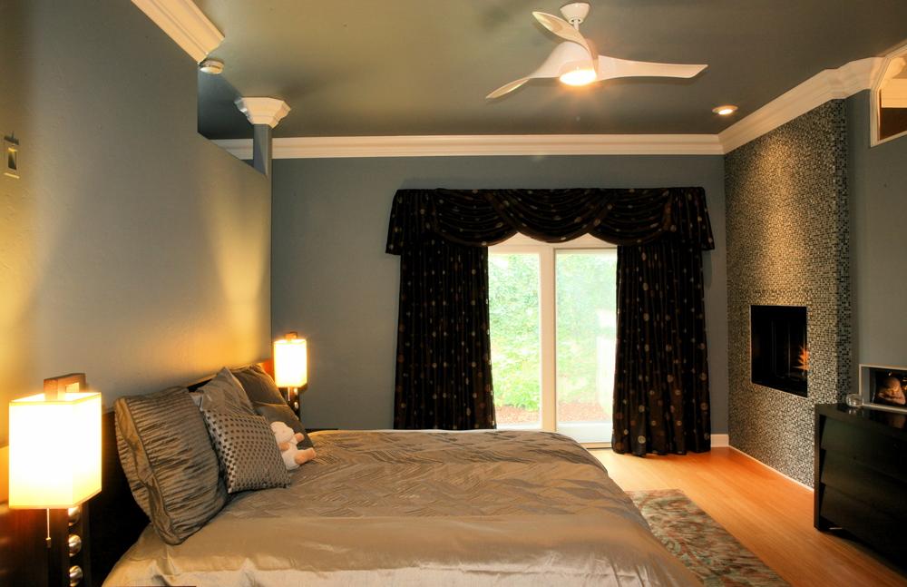 018 Master Bed.jpg