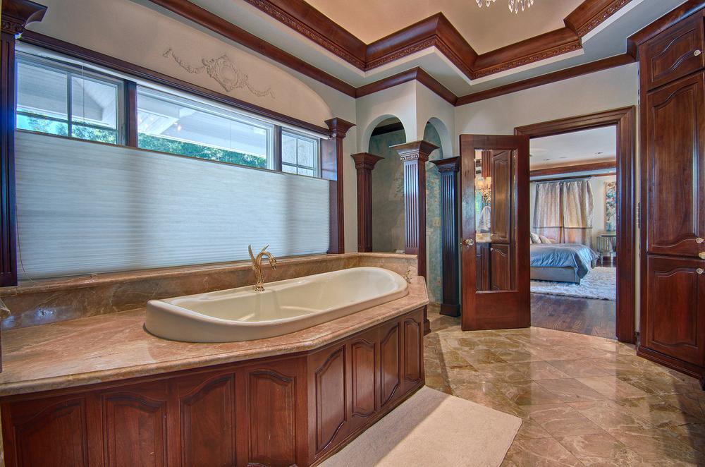 022_Master Bath (c).jpg