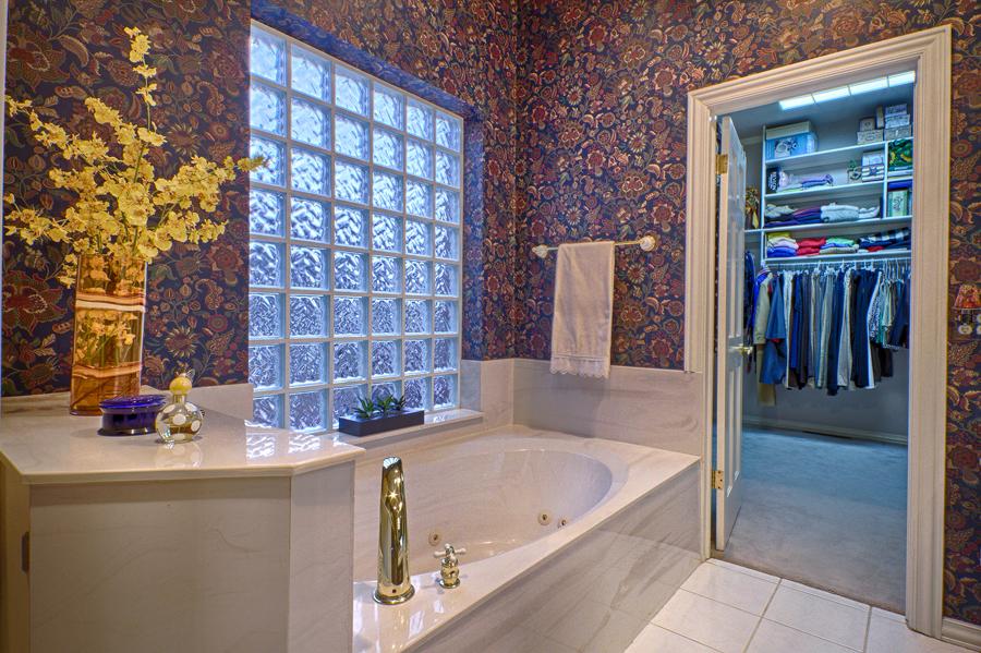019_Master Bath c.jpg
