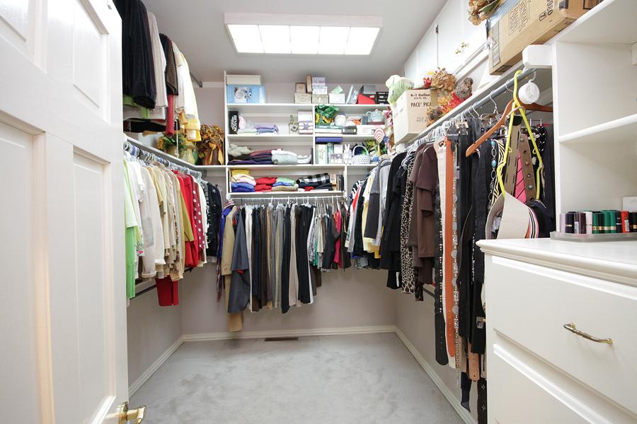 020_Master Closet.jpg