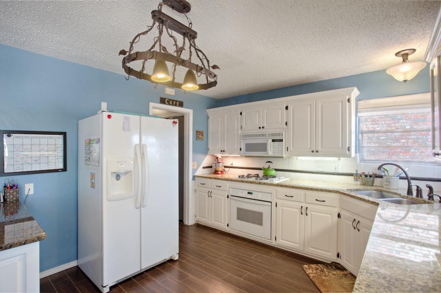 007_Kitchen B.jpg
