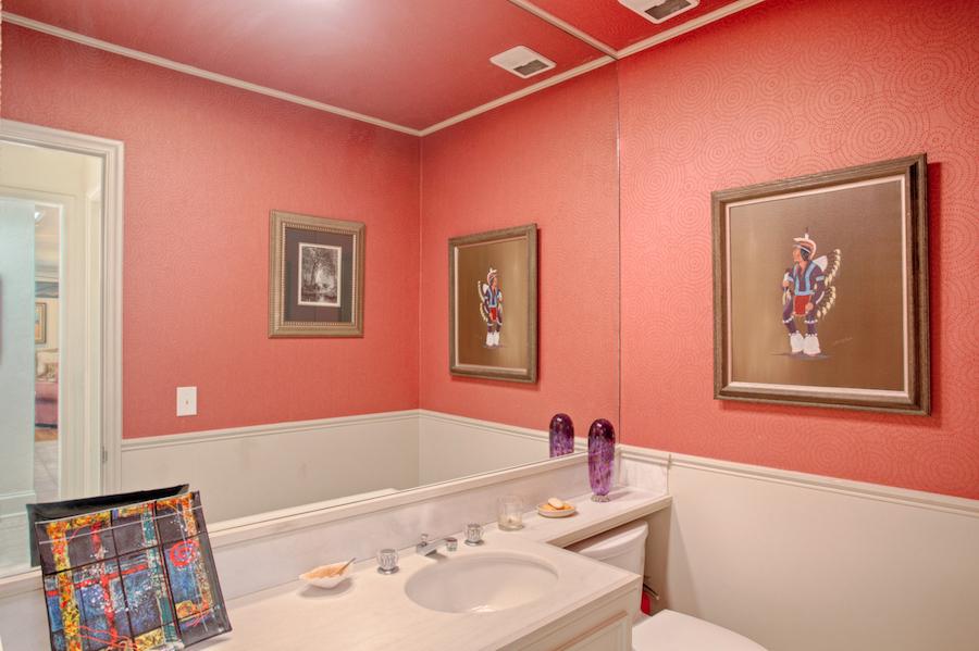 016_Guest Bath.jpg
