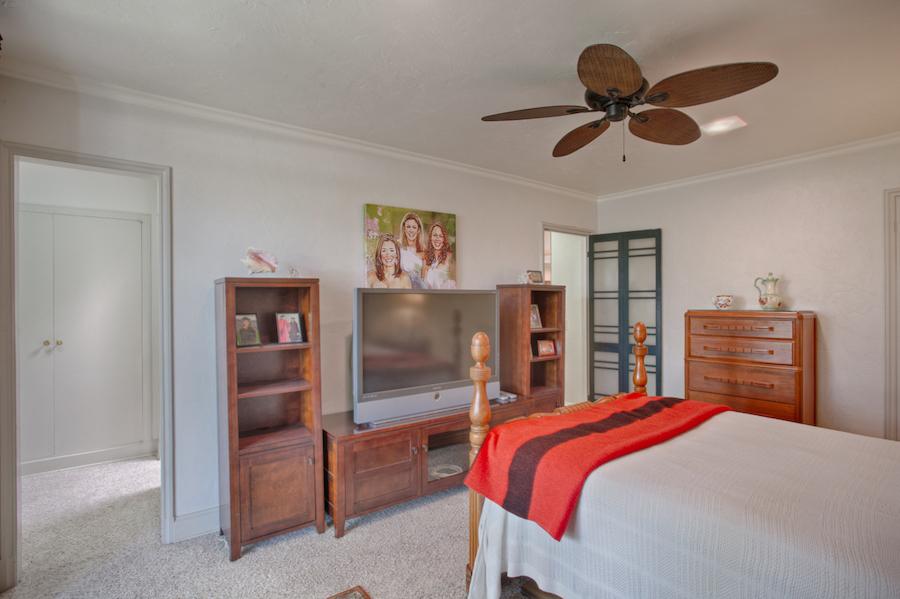 022_Bedroom 1B.jpg