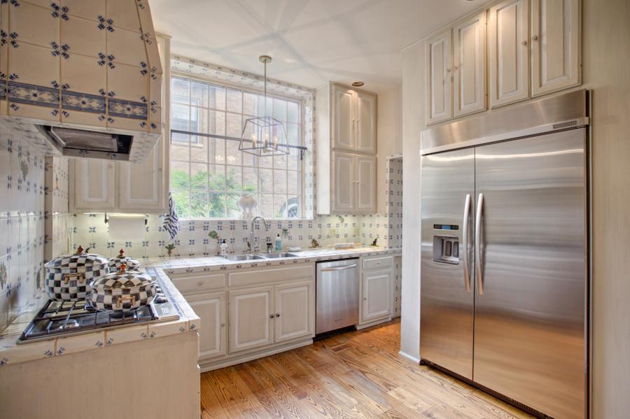 012_Kitchen A.jpg
